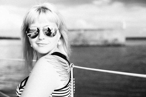 Portrait at the sea_Tallinn Photo Tours_photographer Mari Rostfeldt